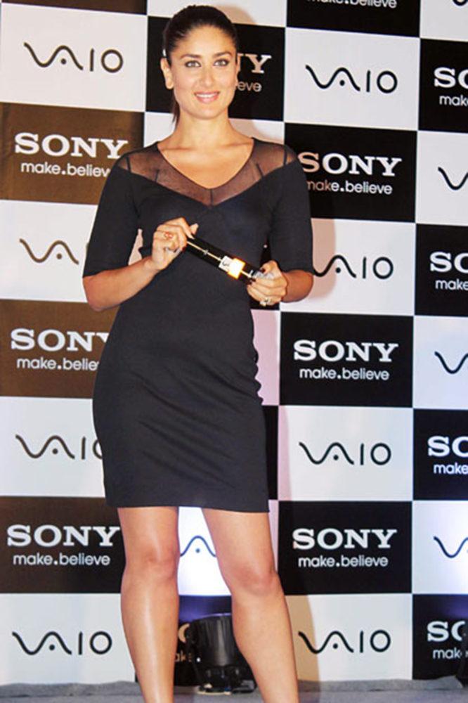 Black dress kareena kapoor - Kareena Kapoor At Sony Vaio Launch In Short Black Dress